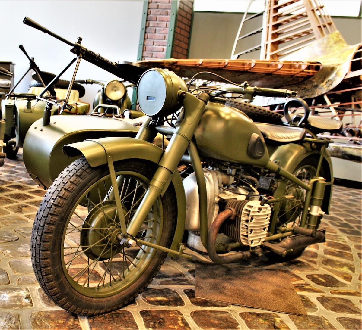 простой топиарий военные мотоциклы фото и картинки производстве палочек